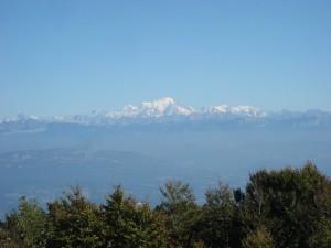 la chaîne du Mt Blanc et la Tournette tout à droite